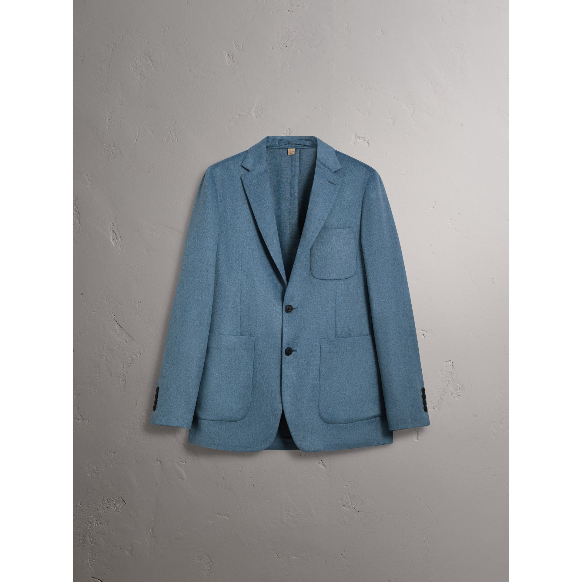 Soho Fit Lightweight Cashmere Tailored Jacket in Slate Blue Melange - Men | Burberry - gallery image 4