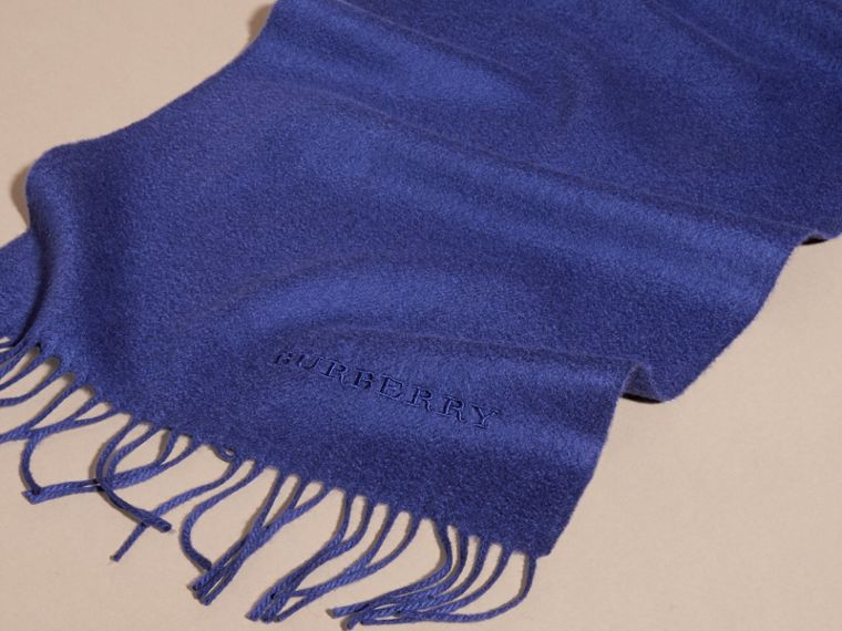 The Classic Cashmere Scarf in Bright Sapphire | Burberry - cell image 4