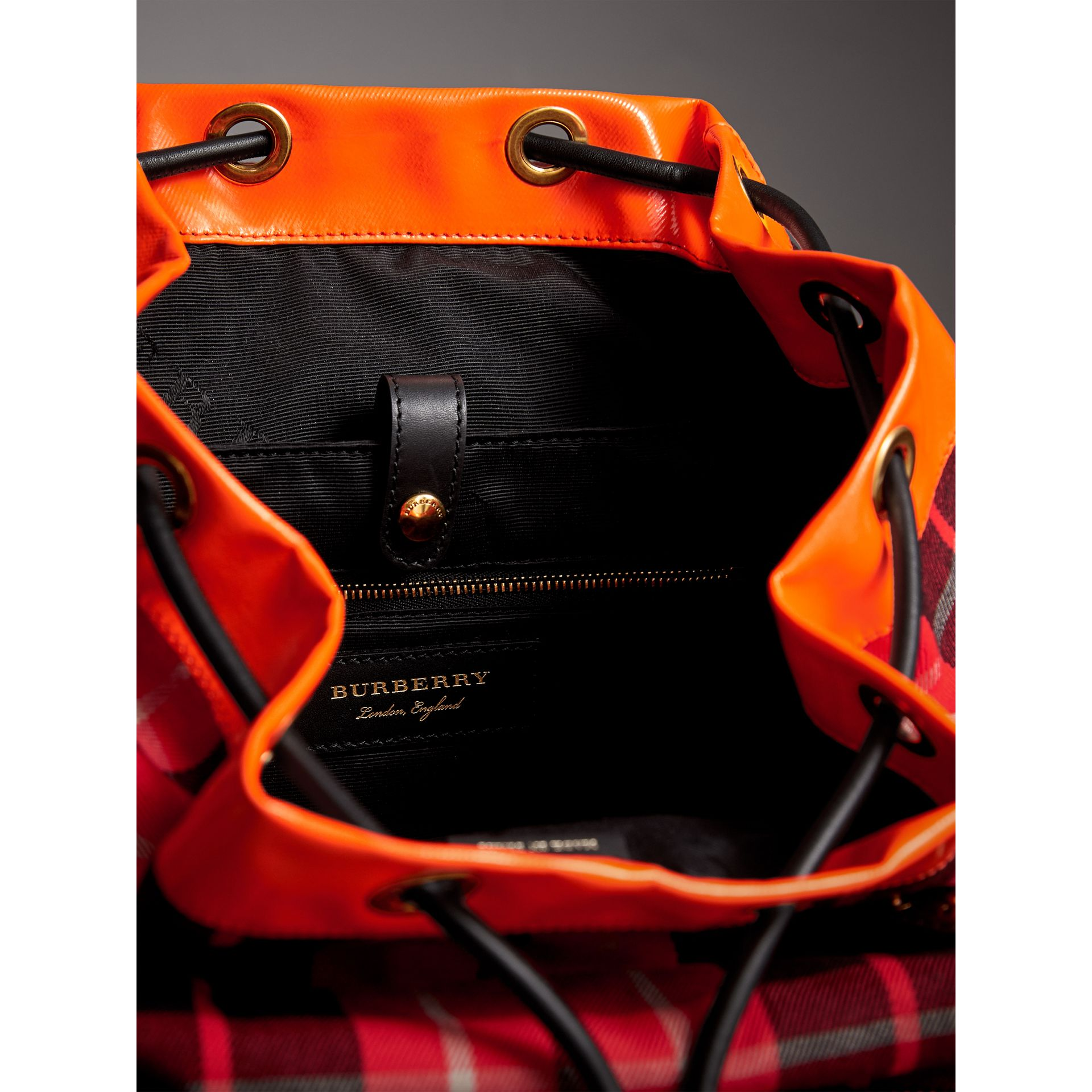 The Large Rucksack in Tartan Check Cotton in Vibrant Red | Burberry Hong Kong - gallery image 4