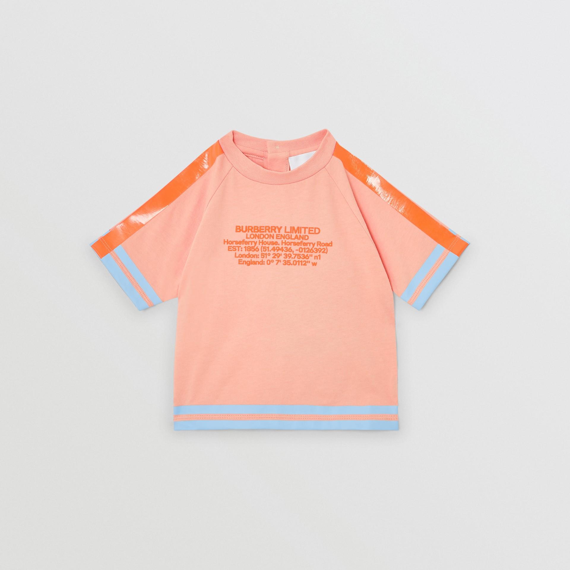T-shirt en coton avec coordonnées géographiques (Pêche) - Enfant | Burberry Canada - photo de la galerie 0