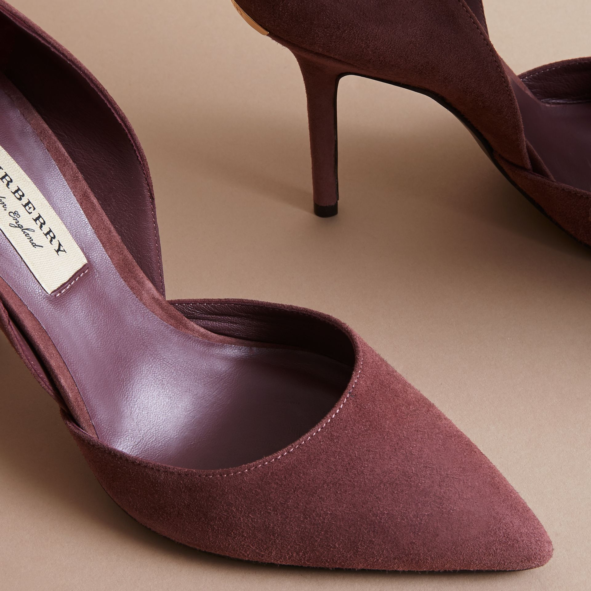 Escarpins d'Orsay à bout pointu en cuir velours (Rose Taupe) - Femme | Burberry - photo de la galerie 5