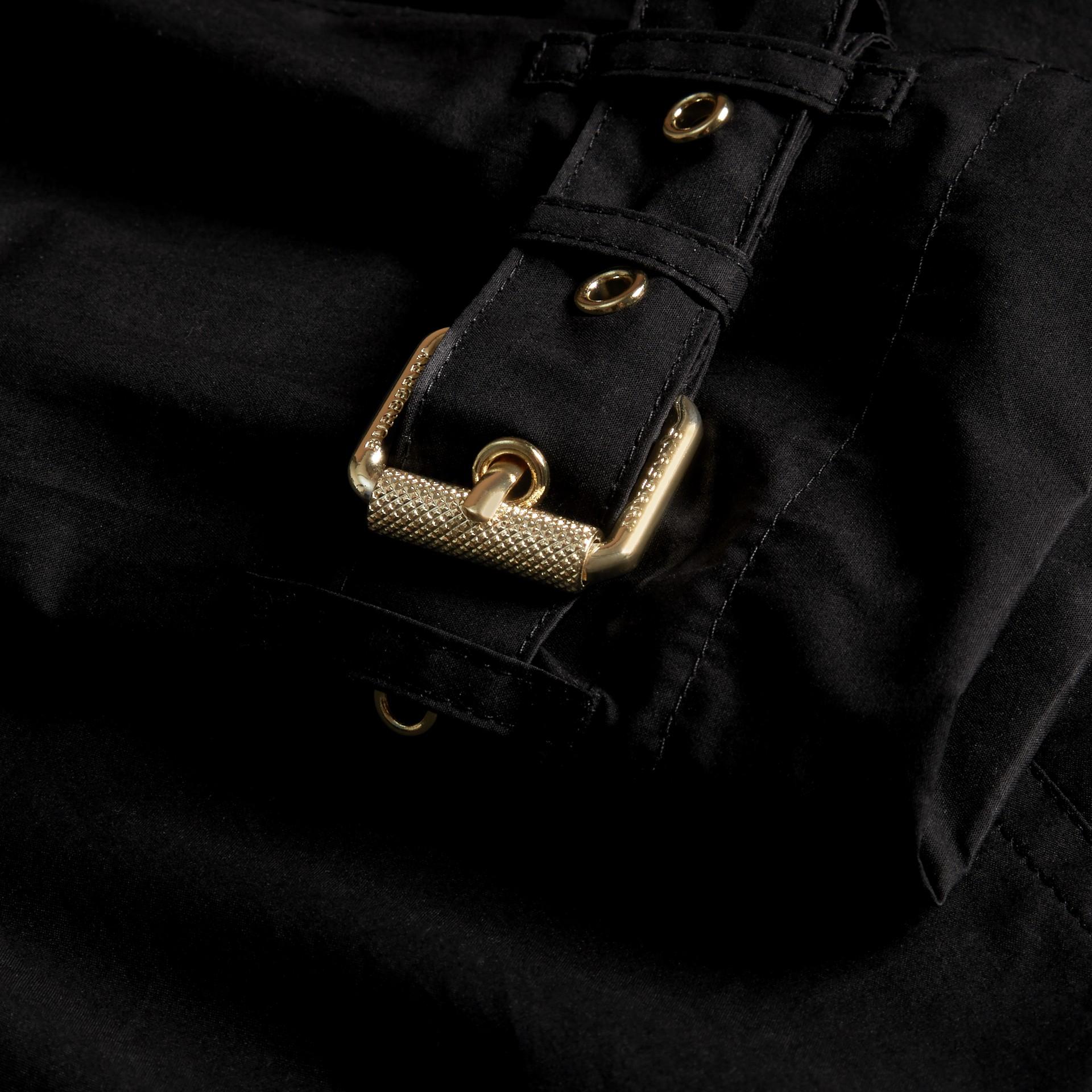 ブラック ライトウェイト ケープディテール コットントレンチコート ブラック - ギャラリーイメージ 2