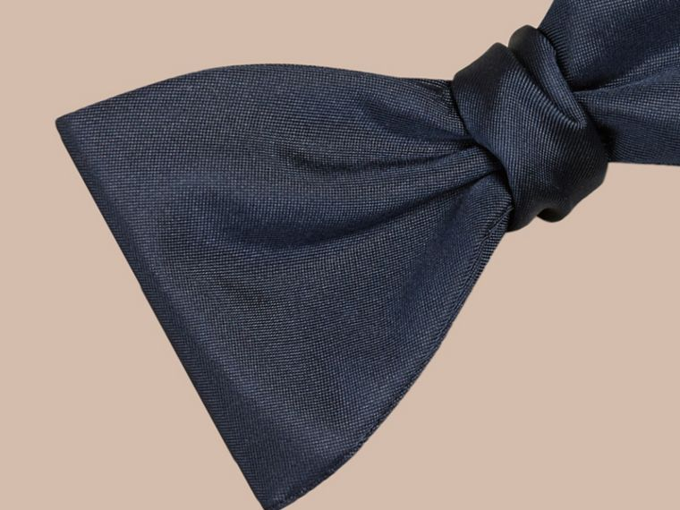 Navy Silk Bow Tie - cell image 1