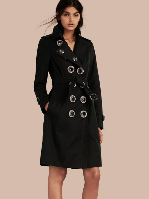 Trench-coat en gabardine de coton avec fermeture ornementale