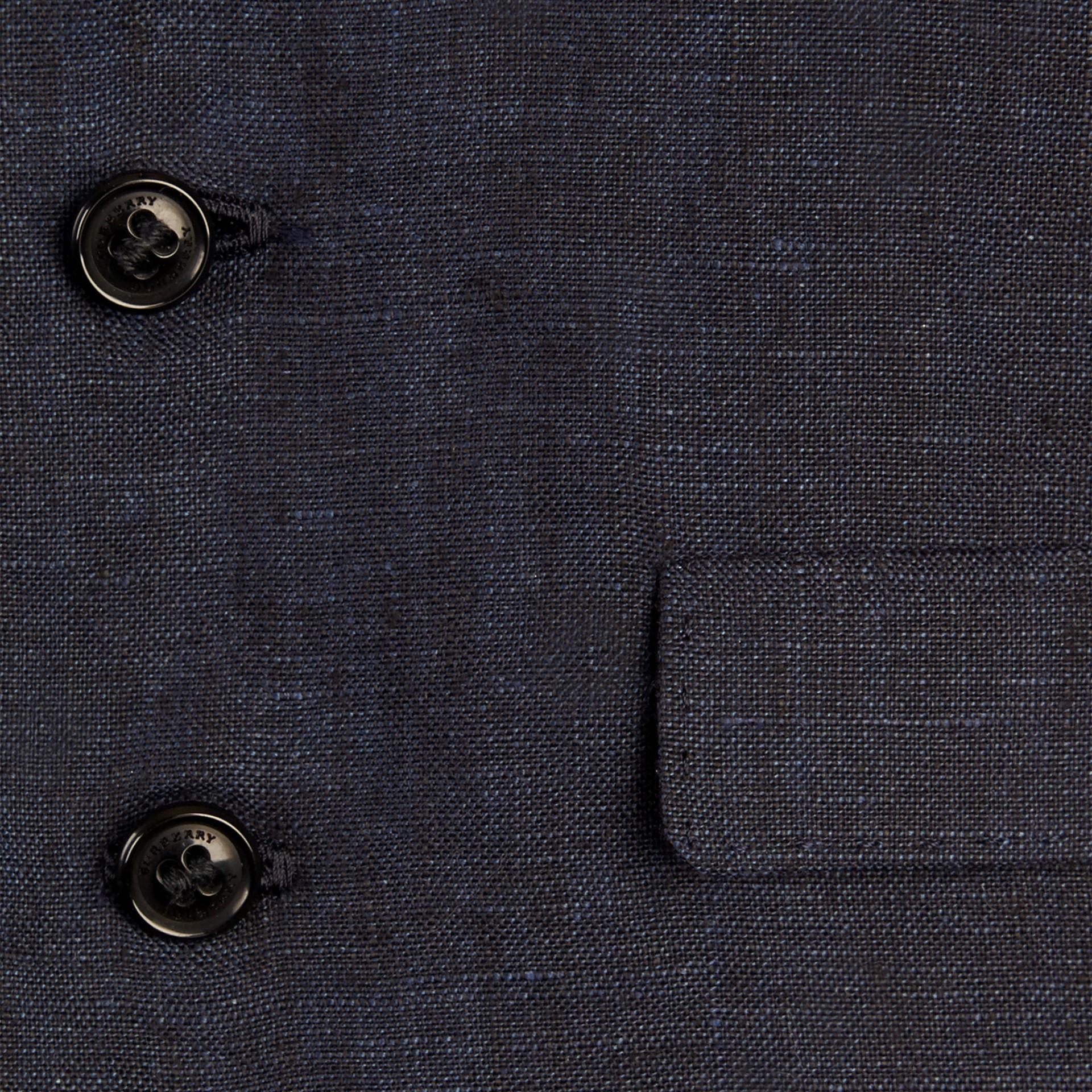海軍藍 輕盈亞麻休閒西裝外套 - 圖庫照片 2