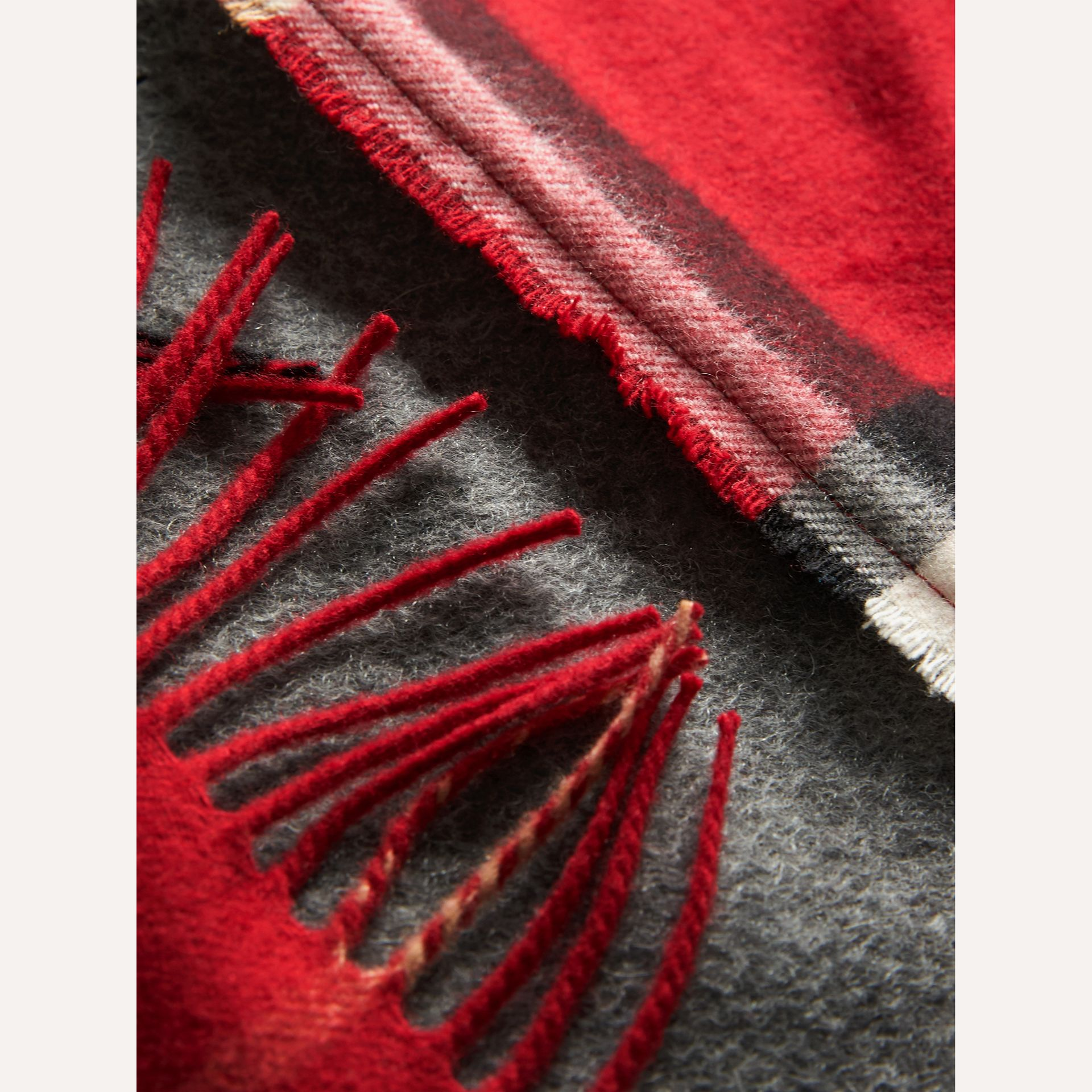 Tartan Panel Detail Cashmere Scarf in Mid Grey | Burberry - gallery image 2