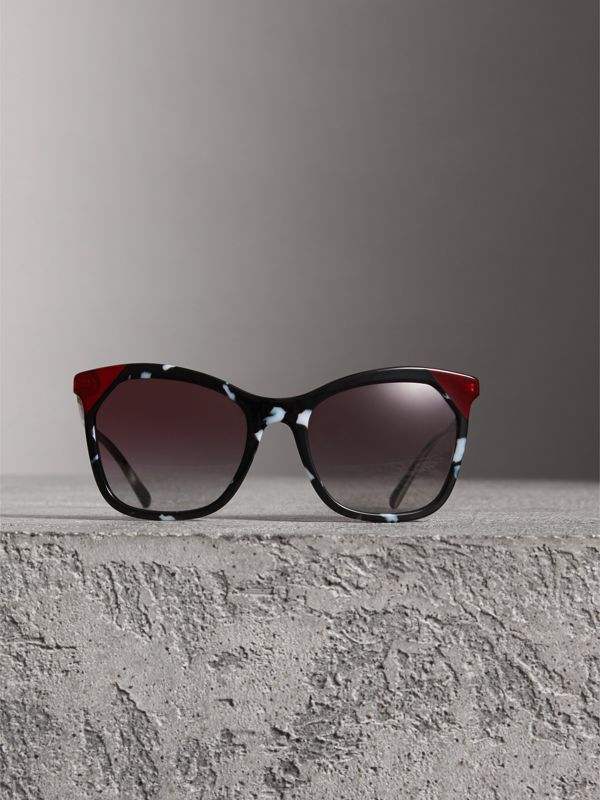Tortoiseshell Square Frame Sunglasses in Dark Grey - Women | Burberry Australia - cell image 2
