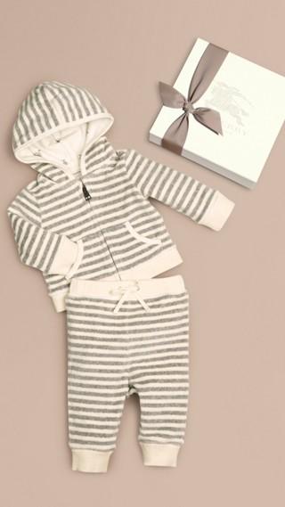 Ensemble avec haut à capuche pour bébé
