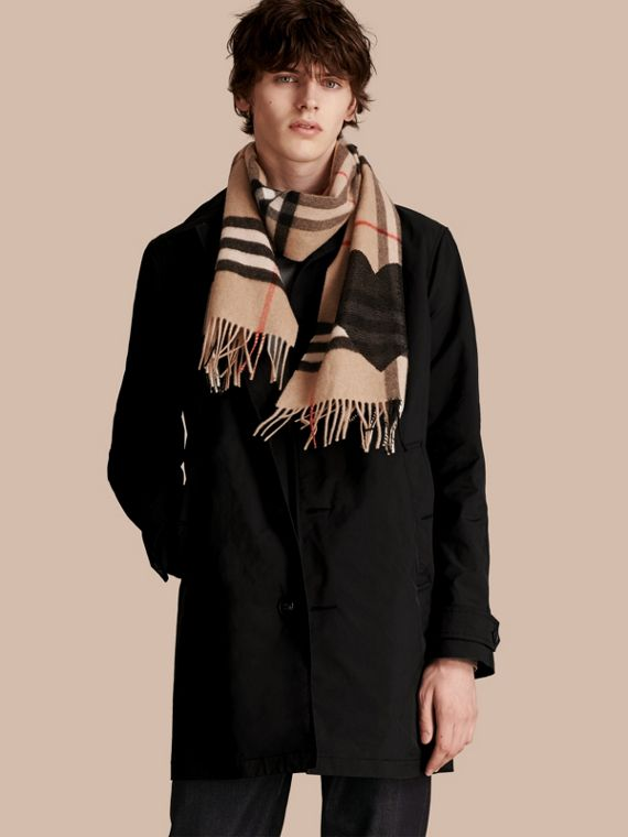 Camel/black The Classic Cashmere Scarf in Check with Sequined Heart Camel/black - cell image 3
