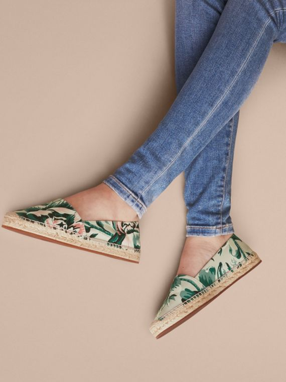 Peony Rose Print Canvas Espadrilles Emerald Green - cell image 2