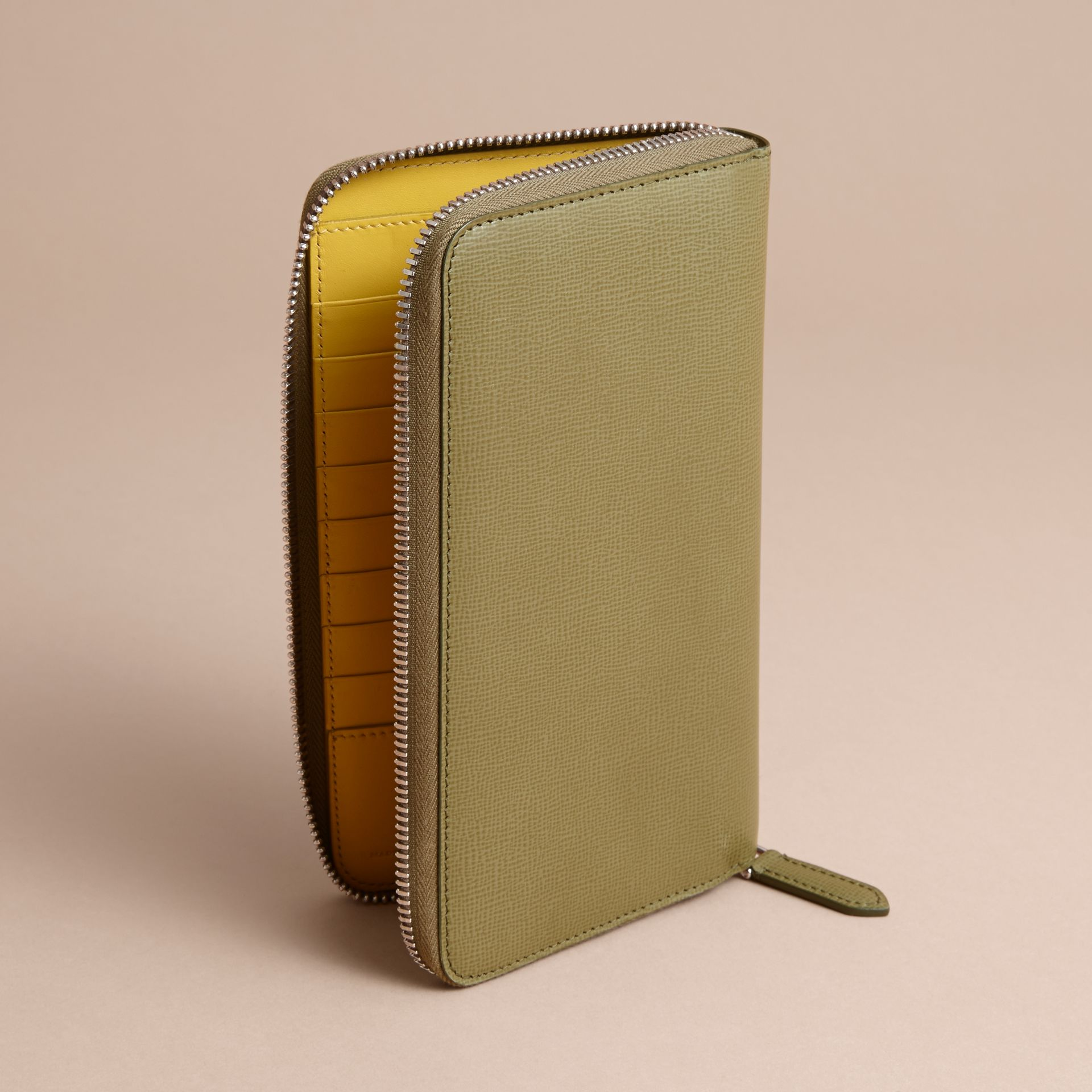London Leather Ziparound Wallet in Olive Green | Burberry Canada - gallery image 4
