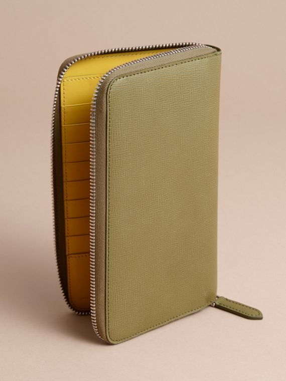 London Leather Ziparound Wallet in Olive Green | Burberry Singapore - cell image 3