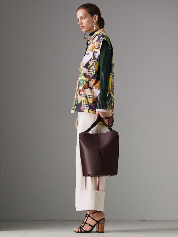 The Medium Leather Bucket Bag in Deep Claret - Women | Burberry Singapore - cell image 2