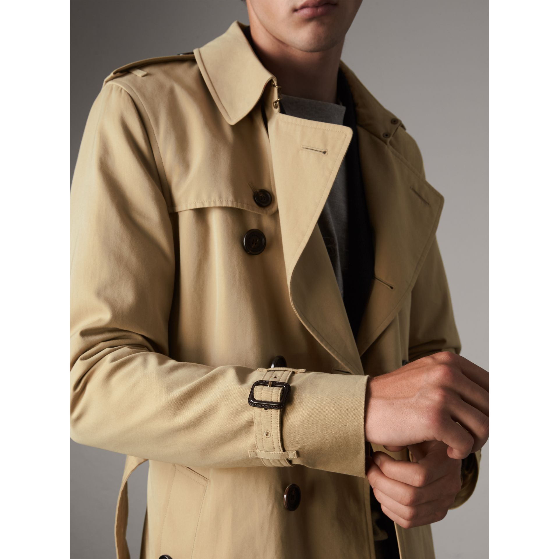The Sandringham – Long Trench Coat in Honey - Men | Burberry - gallery image 5