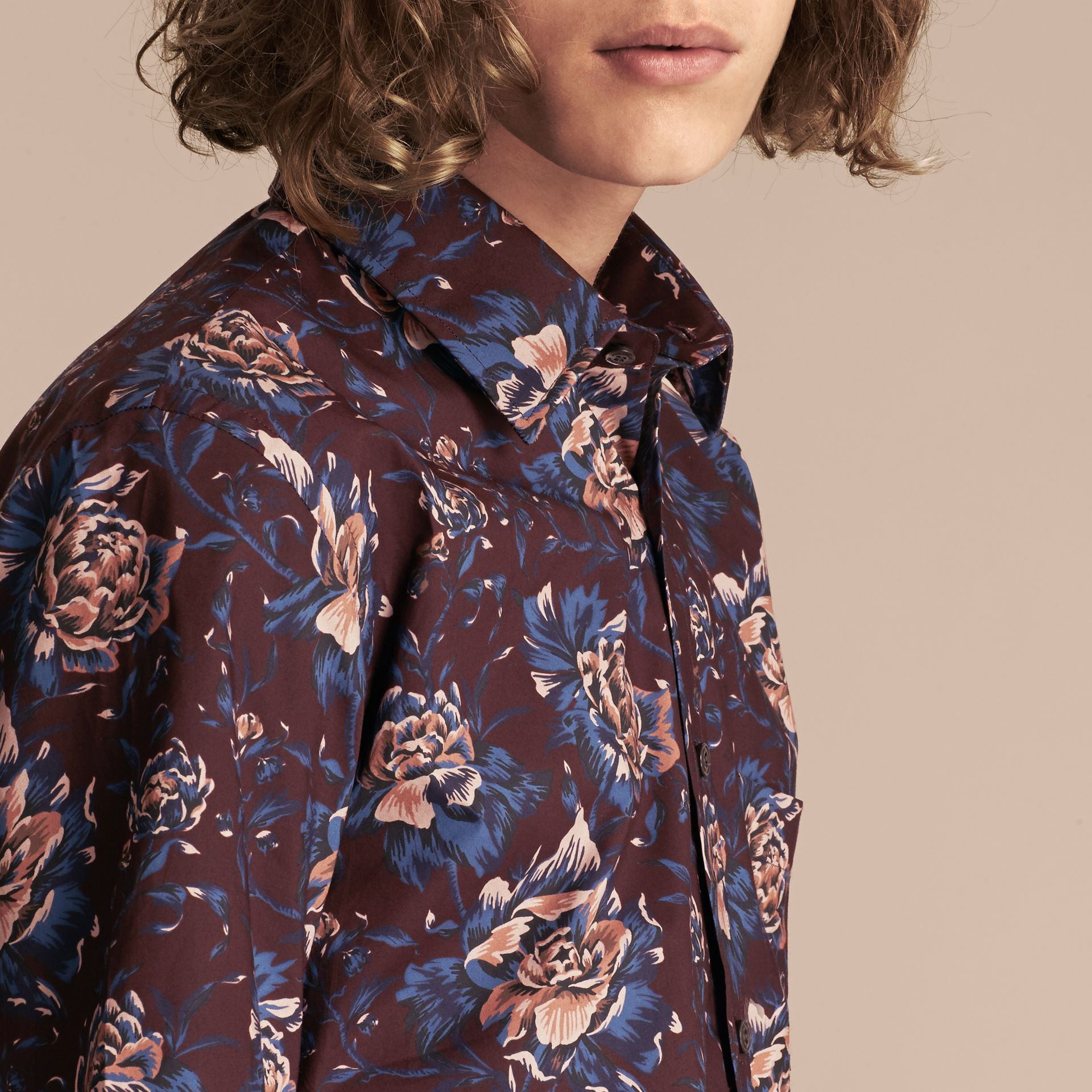 Deep claret Short-sleeved Peony Rose Print Cotton Shirt - gallery image 5