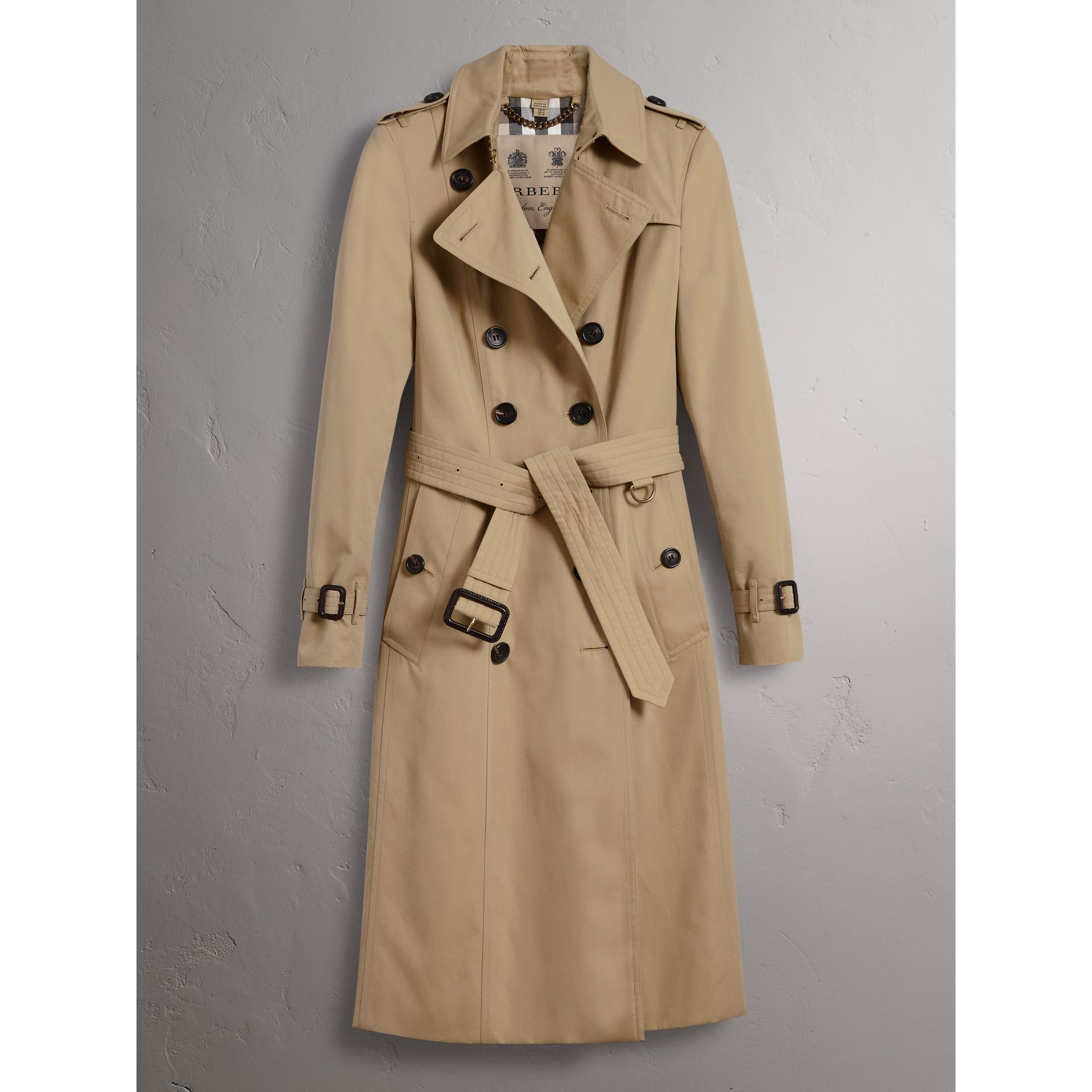 The Chelsea – Extra-long Trench Coat in Honey - Women | Burberry United States - gallery image 3