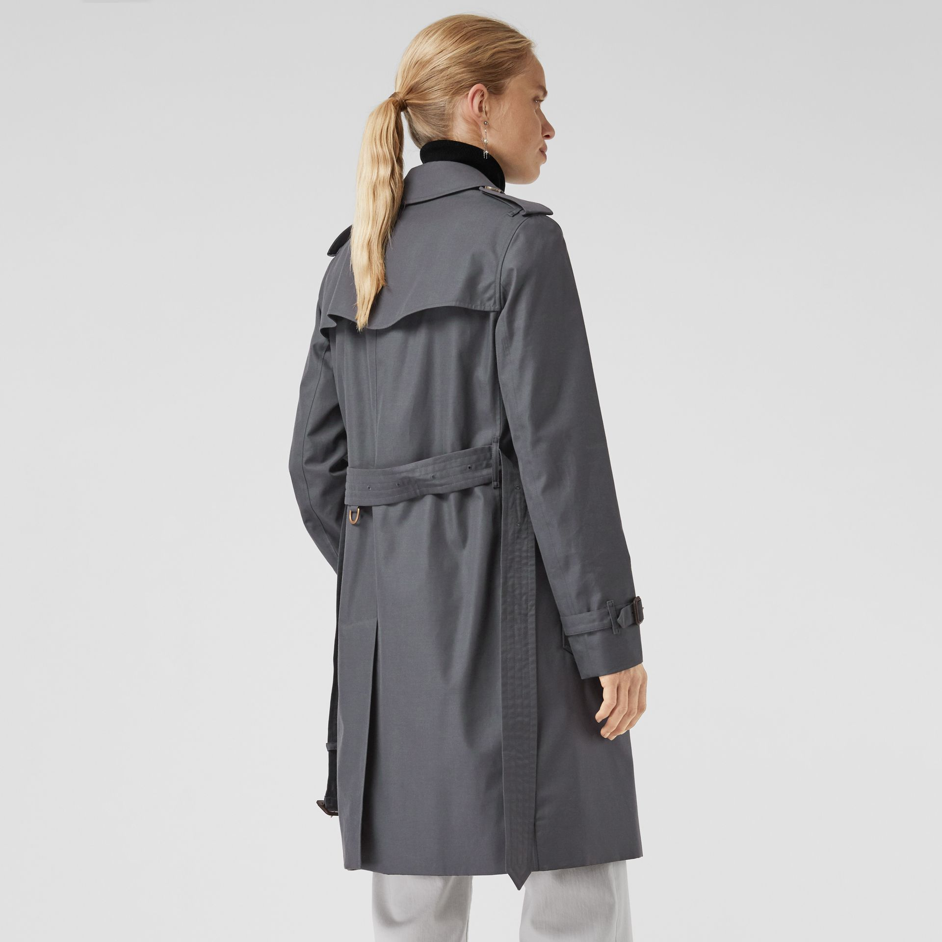 The Kensington Heritage Trench Coat in Mid Grey - Women | Burberry - gallery image 2