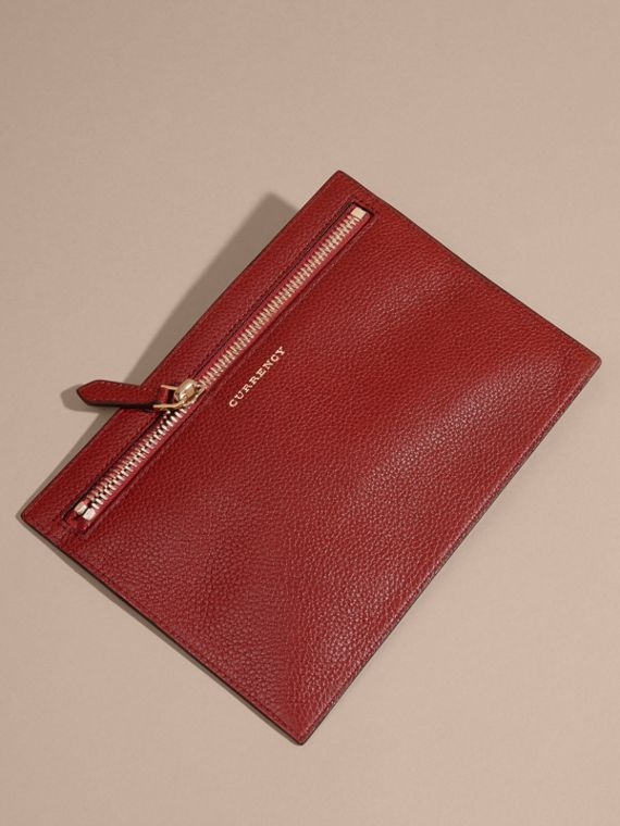 Grainy Leather Currency Wallet in Parade Red | Burberry United Kingdom - cell image 3