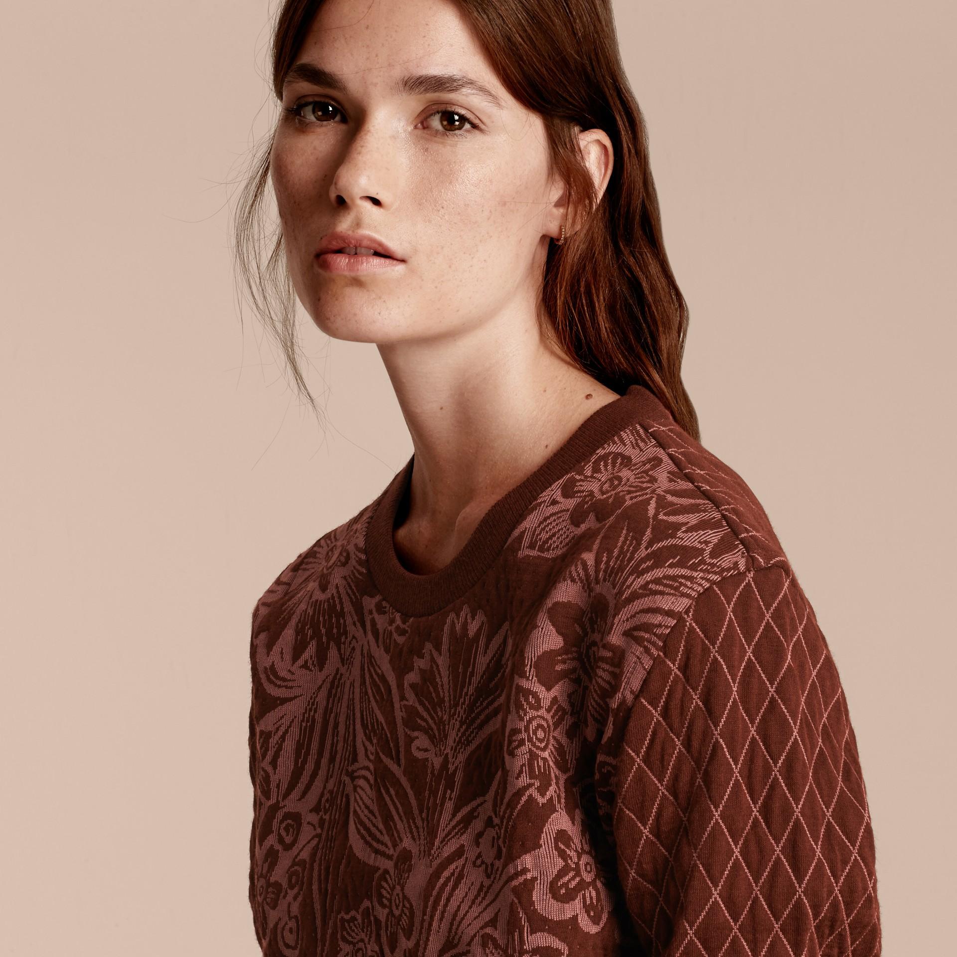 Granata Pullover in misto cotone e lana con motivo floreale in jacquard - immagine della galleria 5
