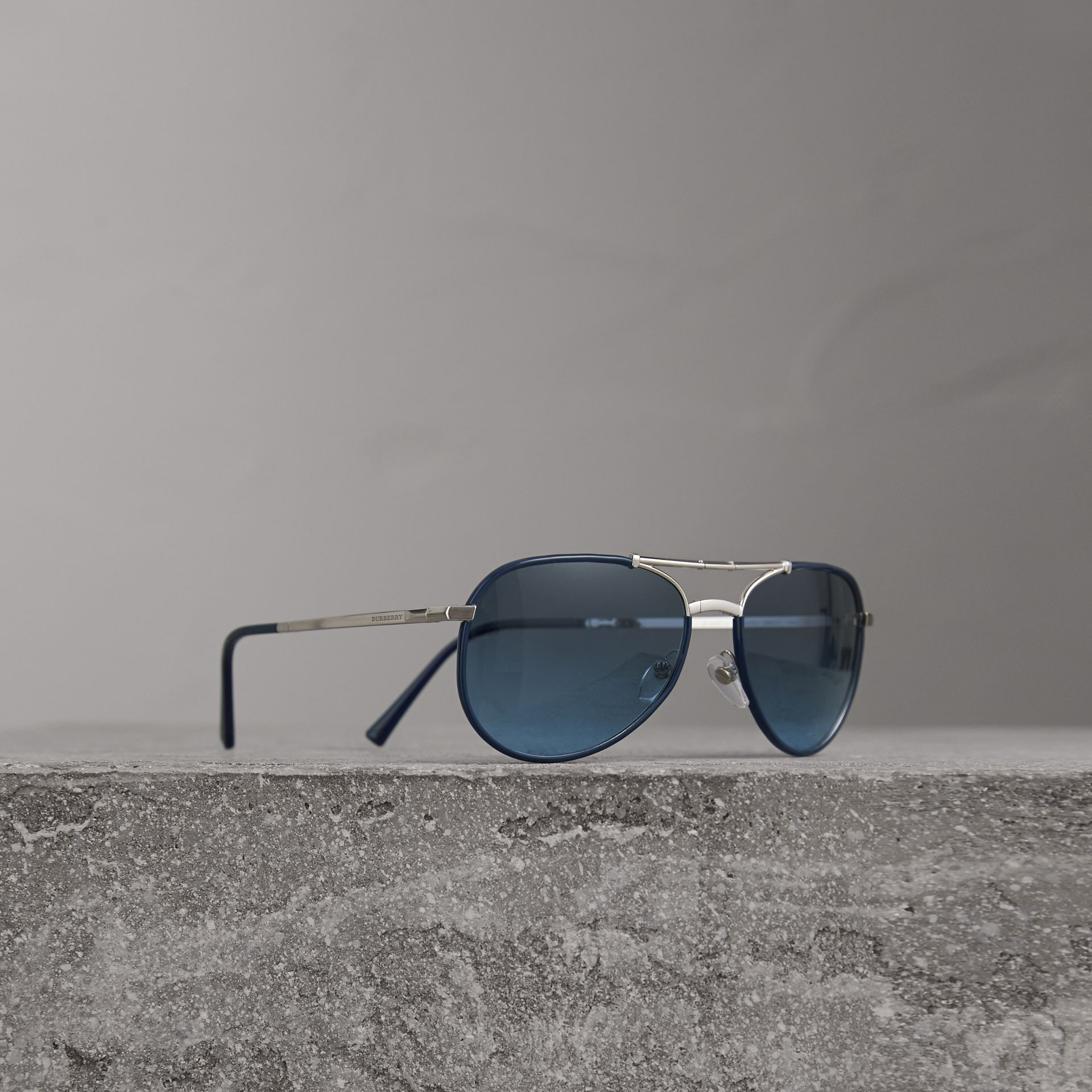 Folding Pilot Sunglasses in Navy - Men | Burberry Canada - gallery image 0