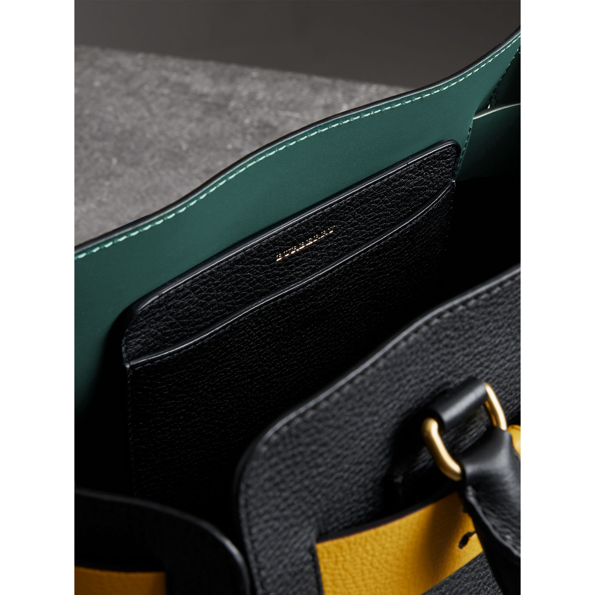 The Small Belt Bag aus Leder (Schwarz/gelb) - Damen | Burberry - Galerie-Bild 5