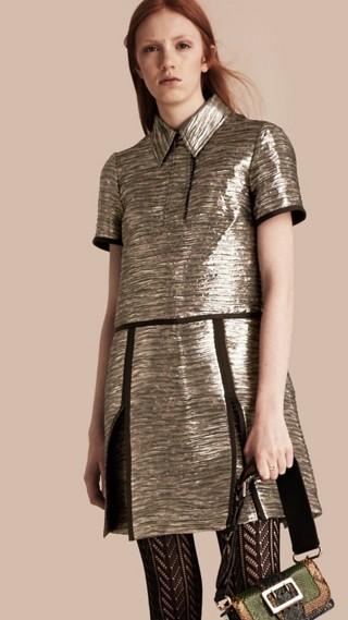 Robe chemise à motif métallisé tissé en jacquard