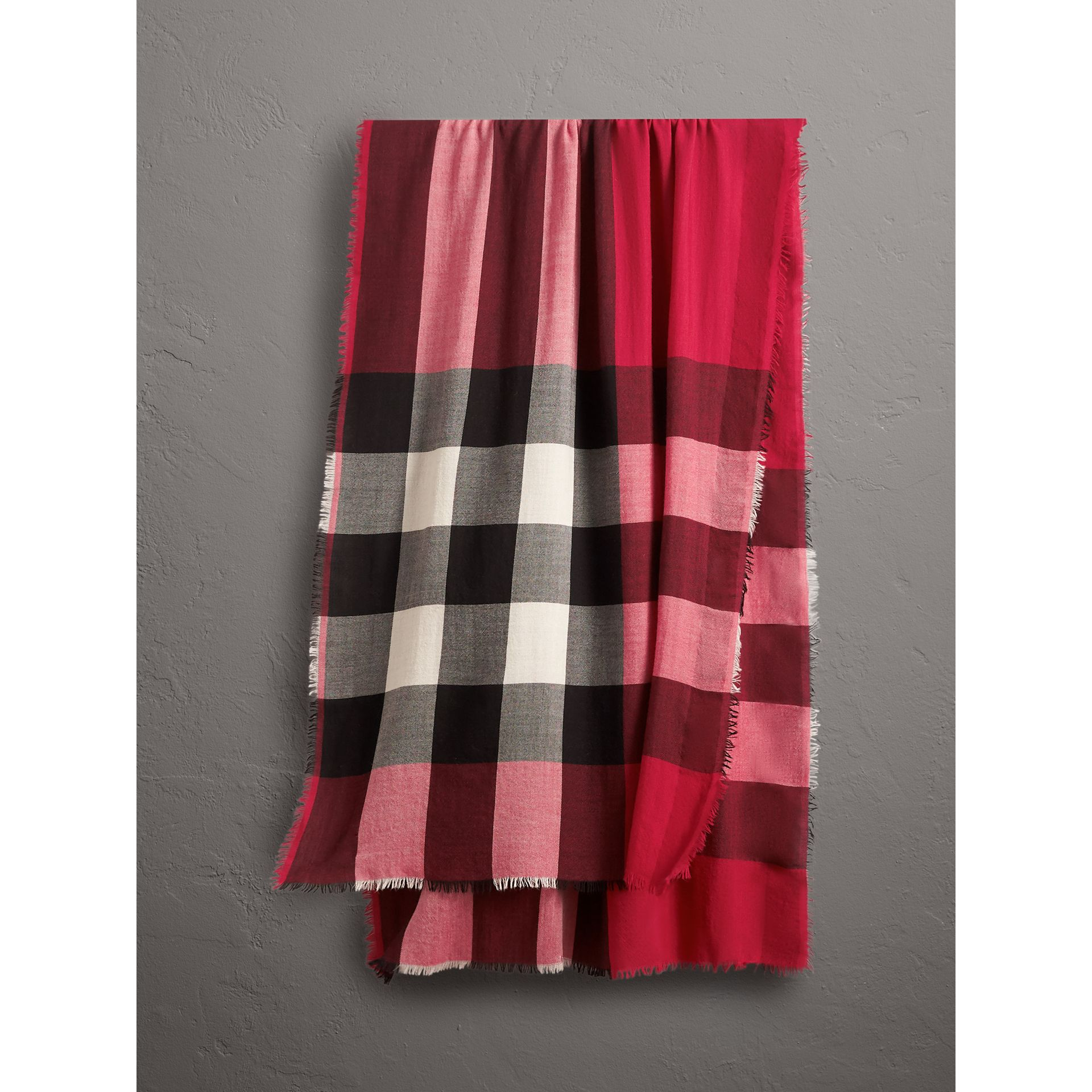 The Lightweight Check Cashmere Scarf in Fuchsia Pink | Burberry - gallery image 0
