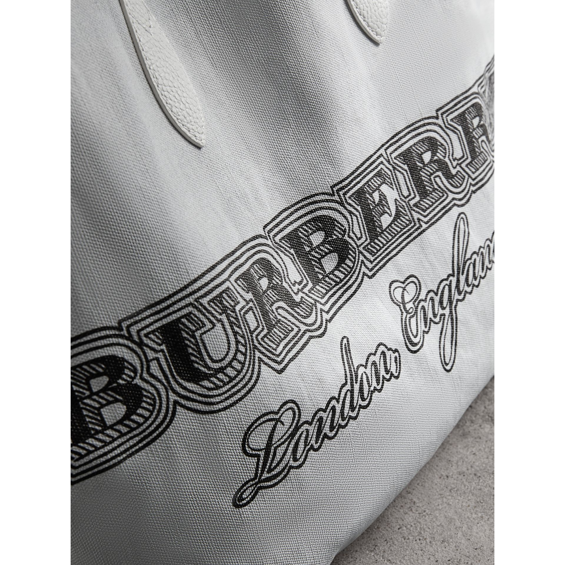The Large Reversible Doodle Tote in White - Women | Burberry - gallery image 2