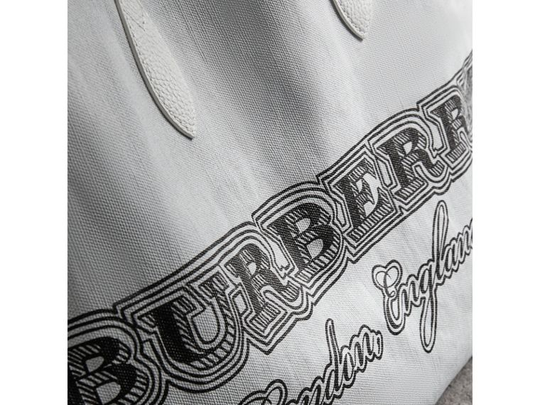 The Large Reversible Doodle Tote in White - Women | Burberry - cell image 1