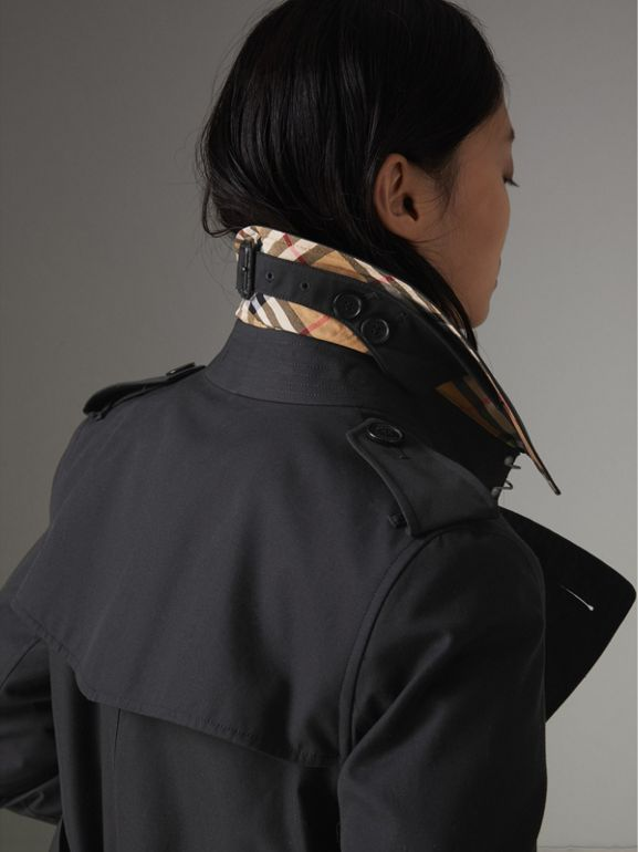 The Long Kensington Heritage Trench Coat in Midnight - Women | Burberry Canada - cell image 1
