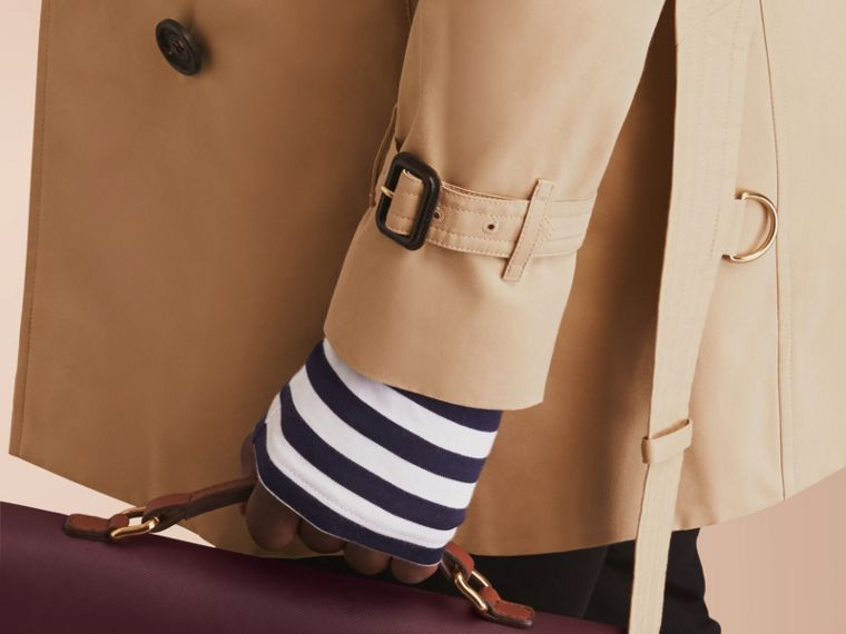 The Sandringham – Mid-length Heritage Trench Coat in Honey - Men | Burberry - cell image 4