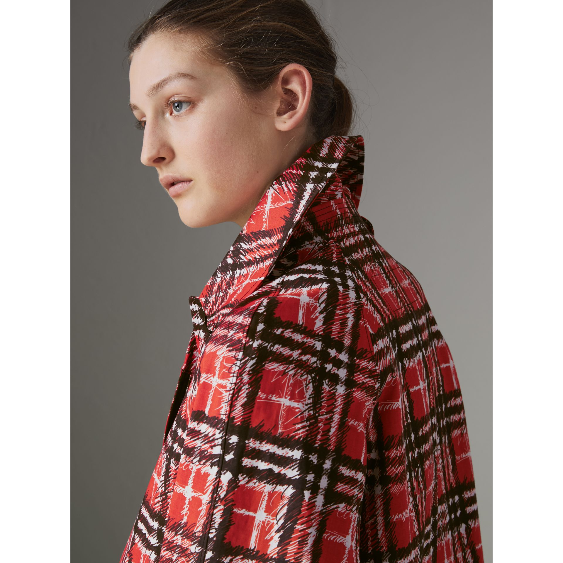 Scribble Check Bonded Cotton Car Coat in Bright Military Red - Women | Burberry - gallery image 4
