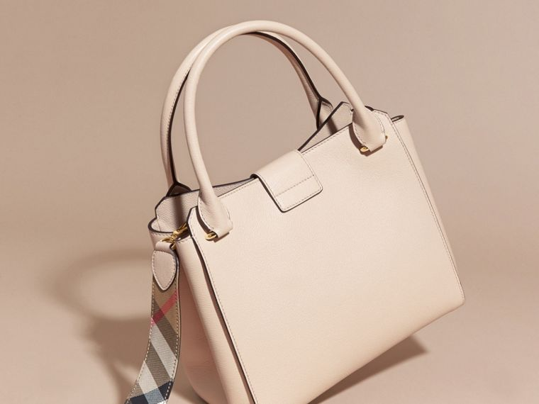 The Medium Buckle Tote in Grainy Leather in Limestone - cell image 4