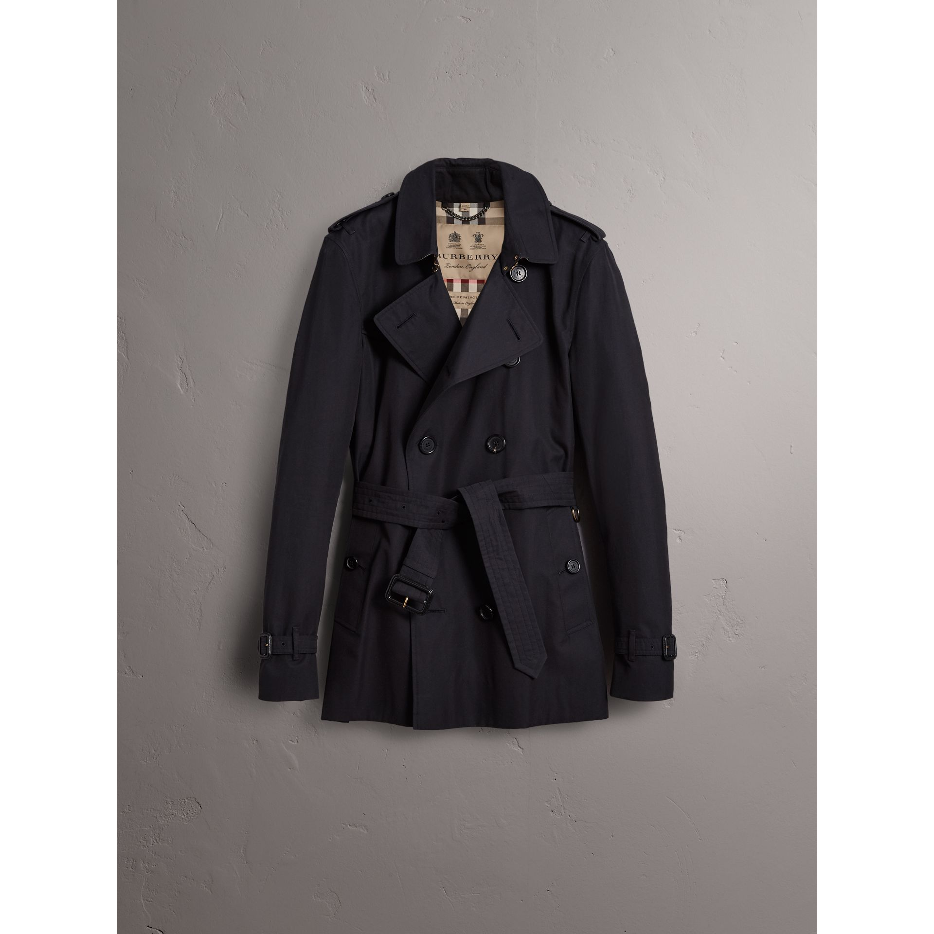 The Kensington – Short Trench Coat in Navy - Men | Burberry United Kingdom - gallery image 3