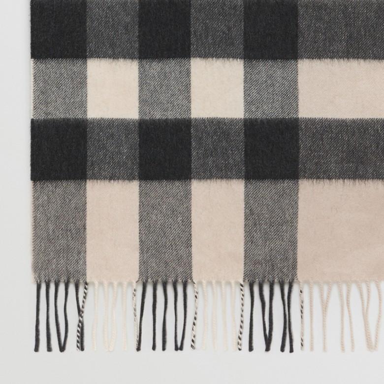 Burberry - Grande écharpe classique en cachemire à motif check - 2