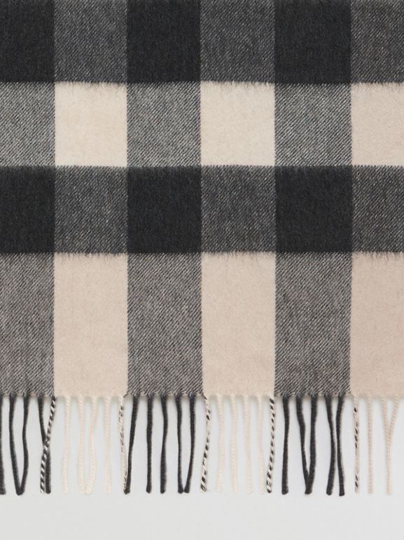 The Large Classic Cashmere Scarf in Check in Stone | Burberry - cell image 1