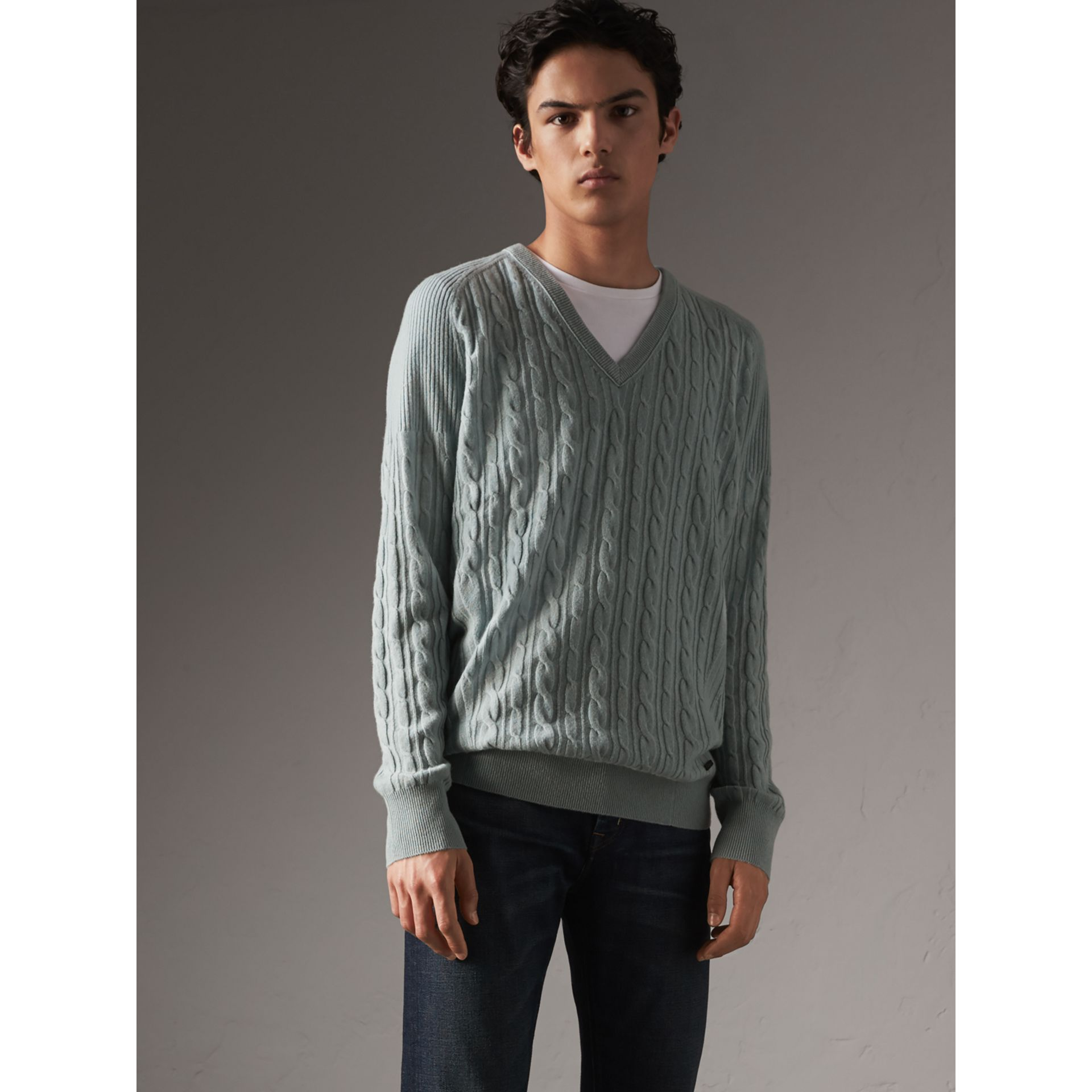 Cable and Rib Knit Cashmere V-neck Sweater in Powder Blue - Men | Burberry Hong Kong - gallery image 5