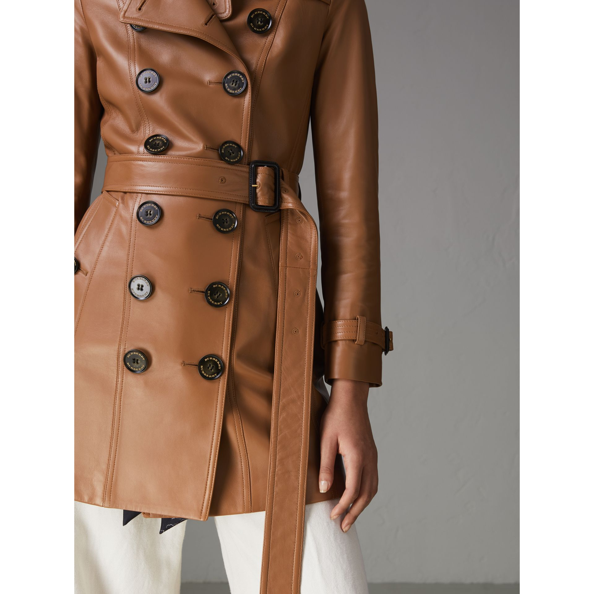 Trench coat The Sandringham in pelle di agnello (Caramello) - Donna | Burberry - immagine della galleria 1