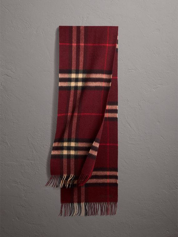 The Classic Check Cashmere Scarf in Claret