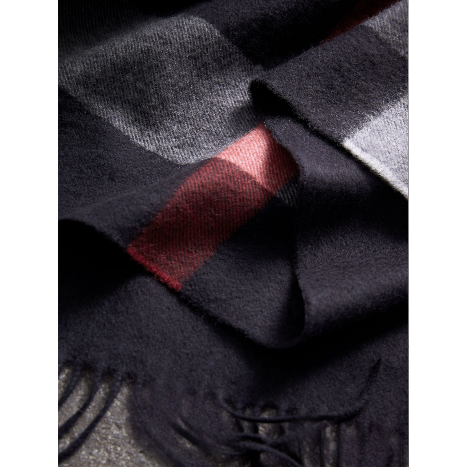Check Cashmere Wrap in Navy | Burberry United Kingdom - gallery image 2