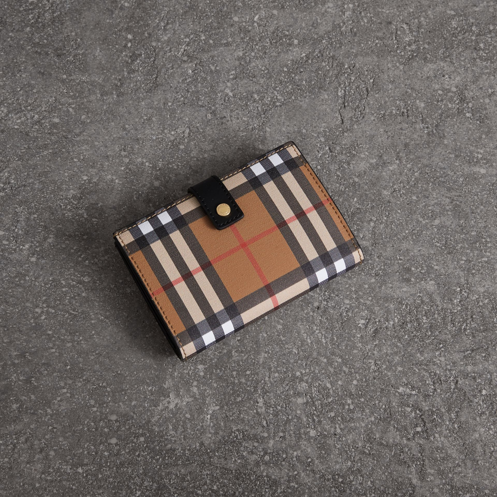 Vintage Check and Leather Folding Wallet in Black - Women | Burberry Australia - gallery image 0