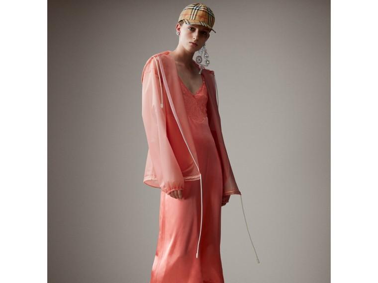 Jaqueta cagoule de plástico com textura suave e capuz (Rosa Pink) - Mulheres   Burberry - cell image 4