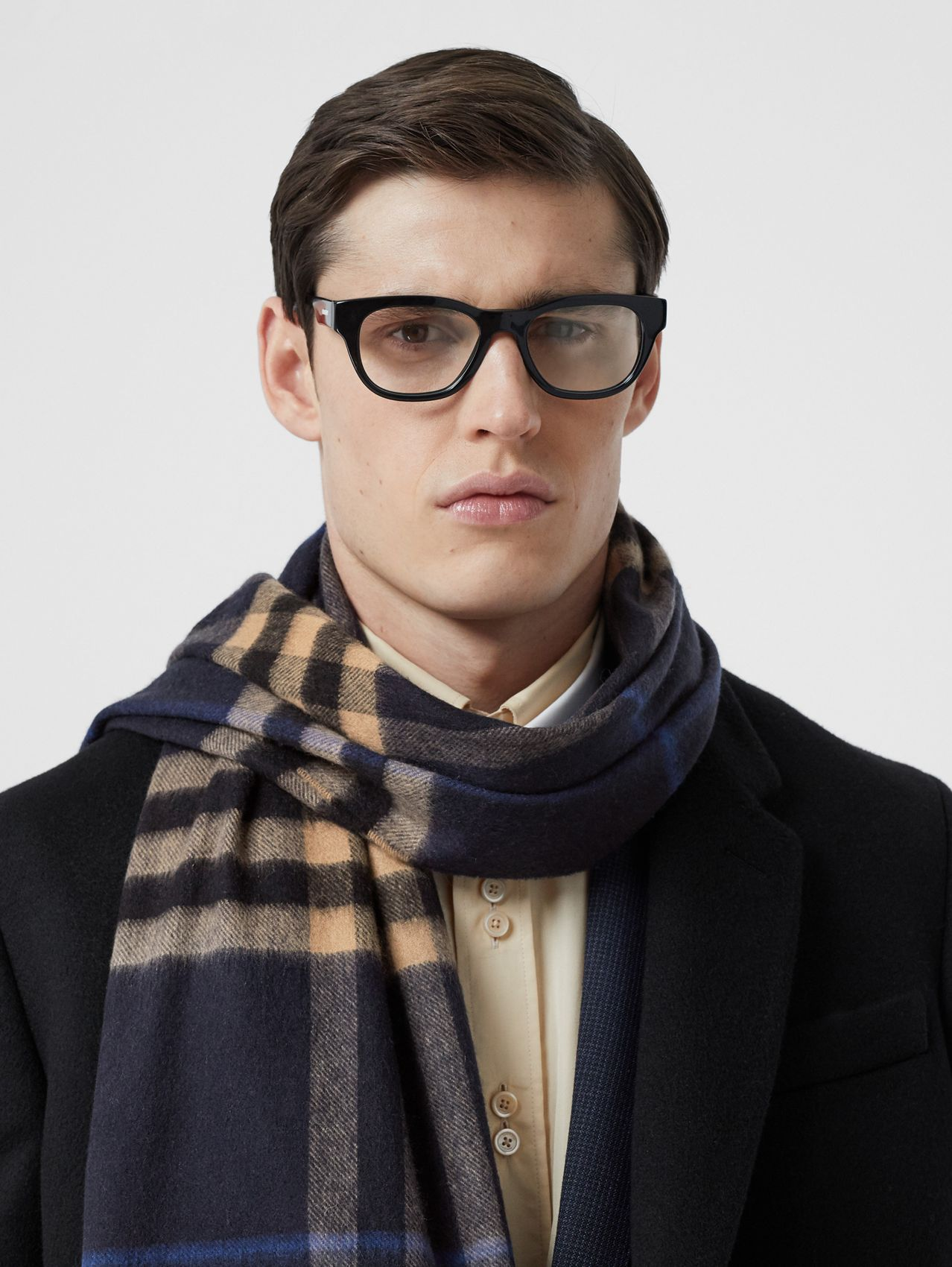 The Classic Check Cashmere Scarf in Indigo / Mid Camel