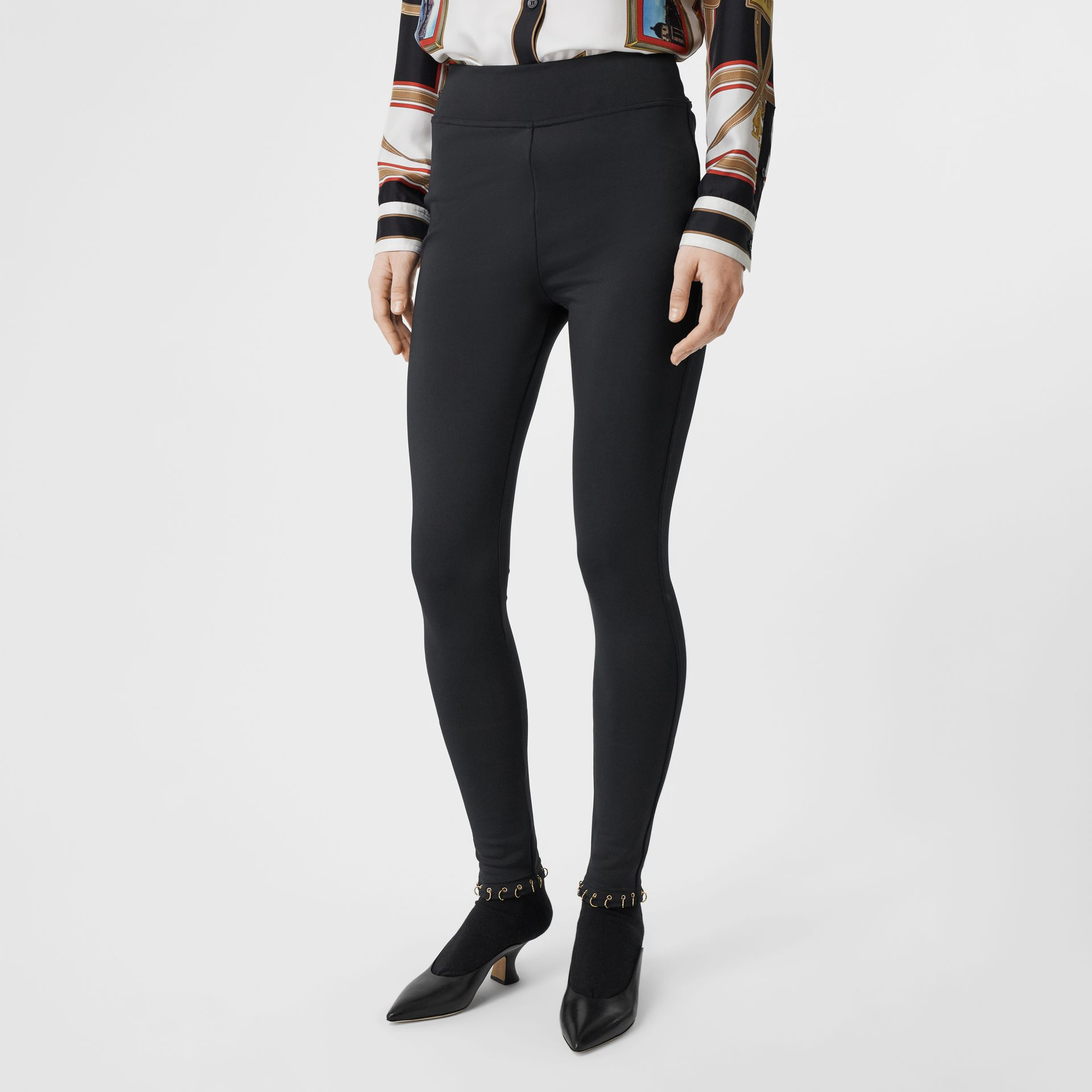 Leggings in jersey stretch con piercing ad anello (Nero) - Donna | Burberry - immagine della galleria 4