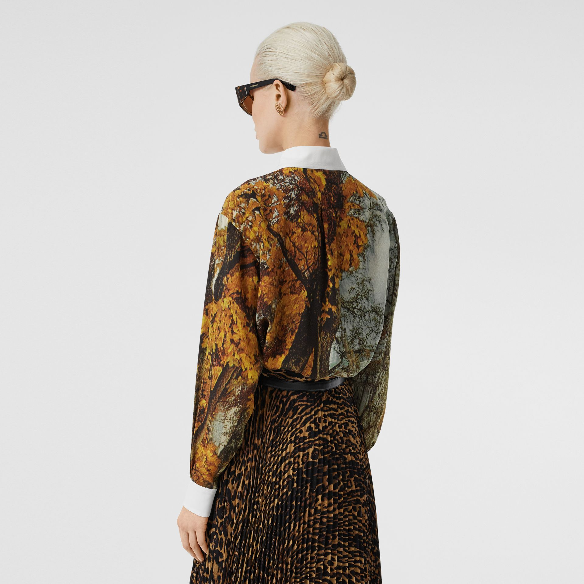 Castle Print Silk Shirt in Pale Cream - Women | Burberry United Kingdom - gallery image 2