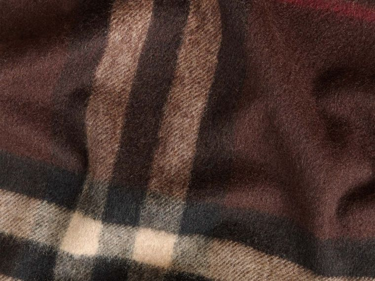 The Classic Cashmere Scarf in Check in Dark Chestnut Brown - cell image 4