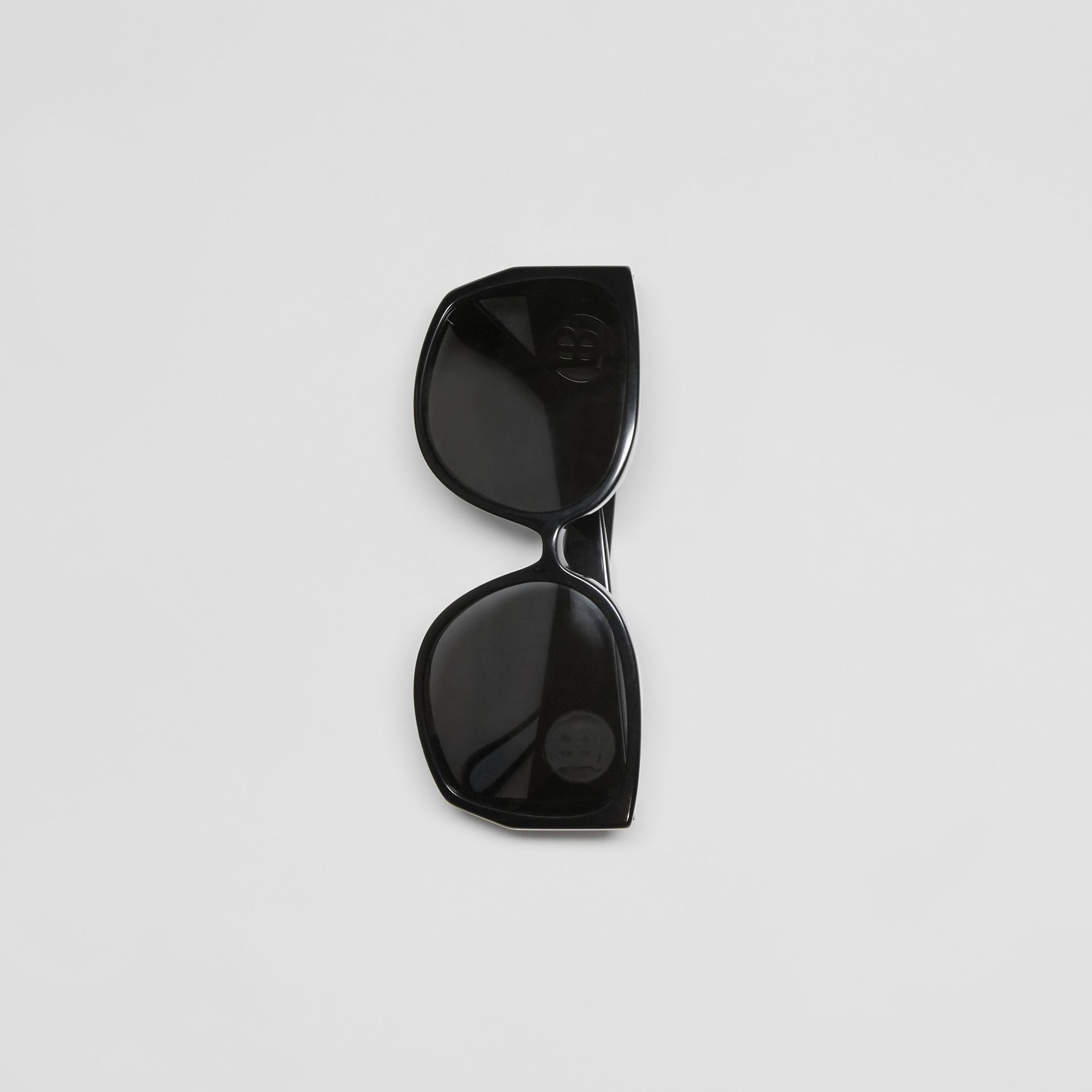 Oversized Butterfly Frame Sunglasses in Black - Women | Burberry United States - gallery image 3