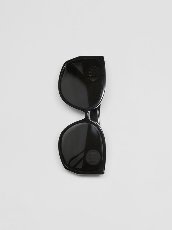 Oversized Butterfly Frame Sunglasses in Black - Women | Burberry United States - cell image 3