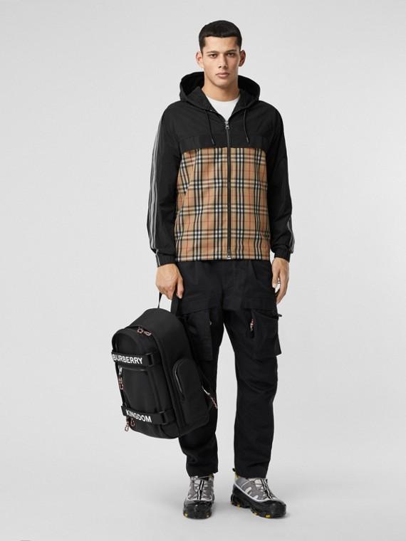 Veste à capuche en taffetas à mémoire de forme avec check (Beige D'archive)