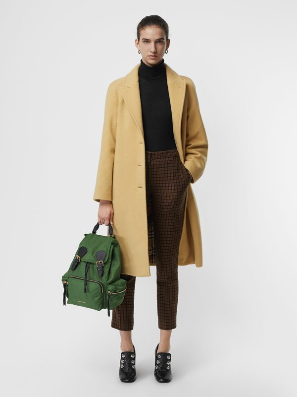 Sac The Rucksack moyen en nylon technique et cuir (Vert Racing) - Femme | Burberry Canada - cell image 2